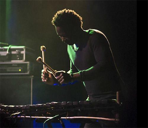 Adama Dembélé percussionniste de Max'S N'Dier